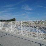 Забор из сетки рабицы - выбираем материал правильно
