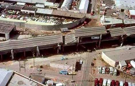 В 1989 году землетрясение в Сан-Франциско разрушило шоссе Interstate 880 (фото с сайта howstuffworks.com).