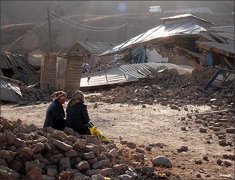 Село Нура, Кыргызстан. Последствия землетрясения