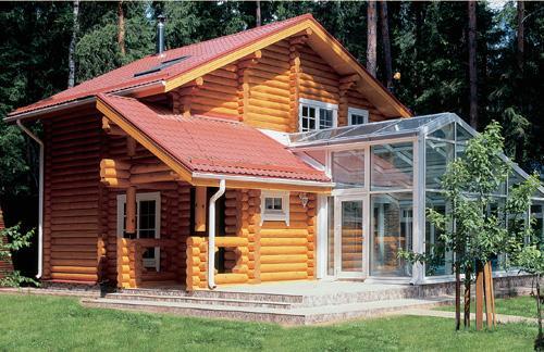 Деревянные дома распространяются в России