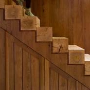 Защитить лестницу от влаги