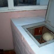 «Погреб» на балконе