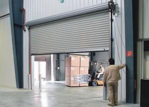 Рулонные гаражные ворота — комфорт в управлении, бесшумная работа, защита от взлома