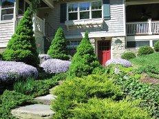 Садовый домик на склоне