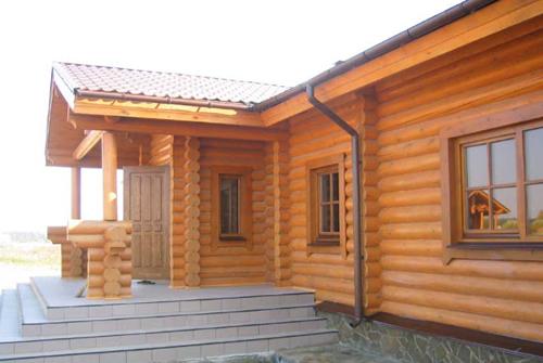 Как защитить деревянный дом?